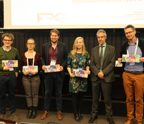 De vijf onderzoekers, met Michel Magis, directeur van de Brailleliga.