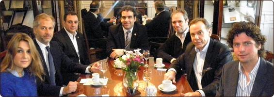 Reunión con funcionarios de la Dirección Nacional de Migraciones.