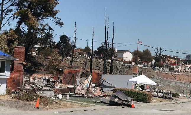 San Bruno gas explosion. Photo by Brocken Inaglory