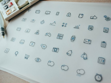 Freebies: Icons And Device Templates