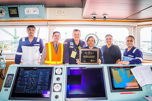 Crew of Gem 2 with Port and Tesoro officials