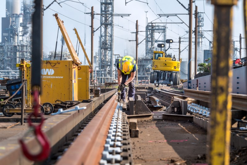 Prachtige foto's van werk aan havenspoorlijn