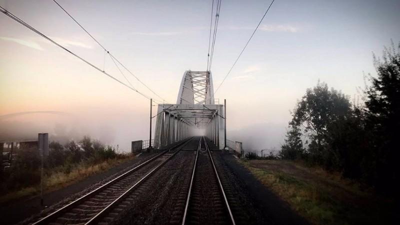 Mistige morgen, mistig spoor. Vastgelegd door @machinistalkmaar bij Den Bosch.