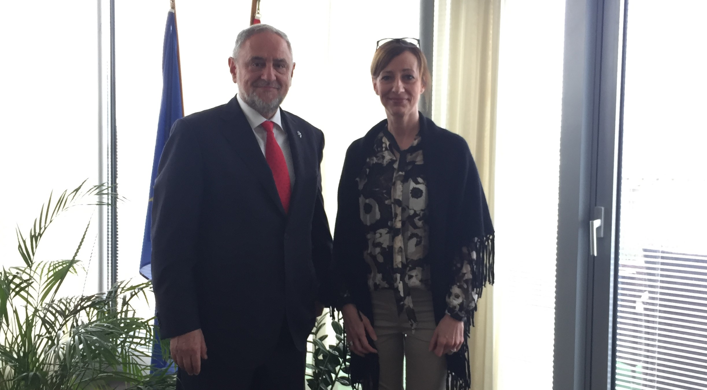\  WJC CEO and Executive Vice President Robert Singer meeting with Hungarian Ambassador Zsuzsanna Horváth in Geneva in May 2018. (c) World Jewish Congress.
