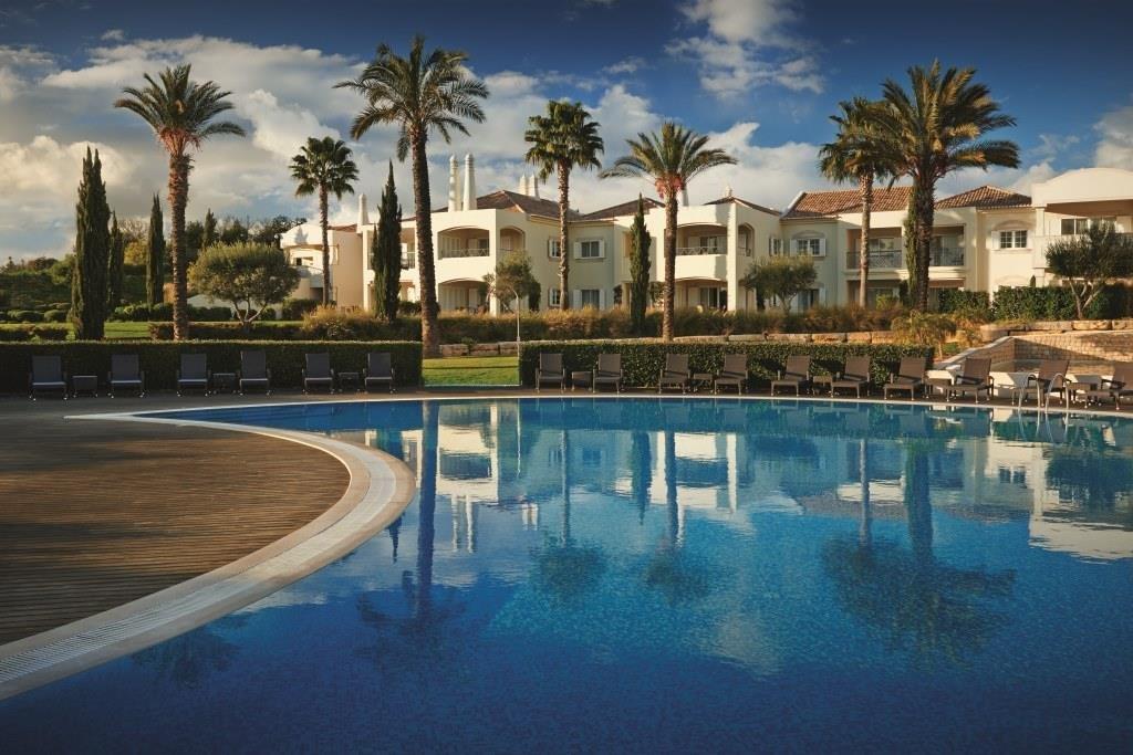 superb 6 bed villa