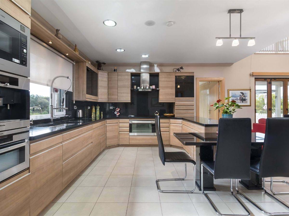 IDH8632-5bedvillaforsalequintadolago-sustainablevilla-portugalproperty-luxurypropertyforsalealgarve
