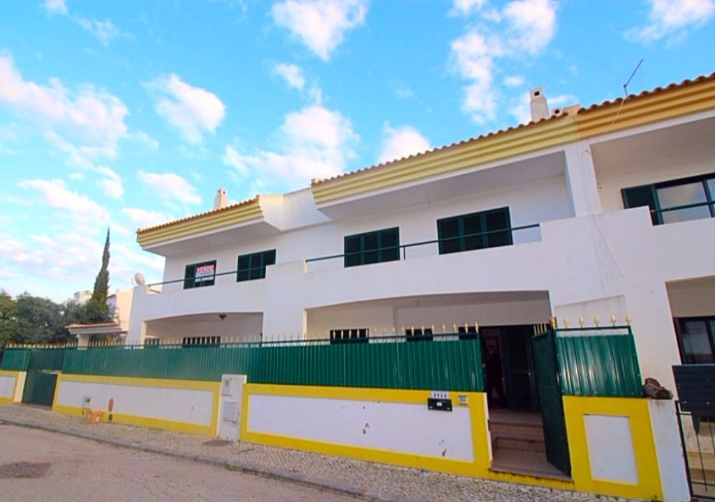 amazing townhouse in albufeira