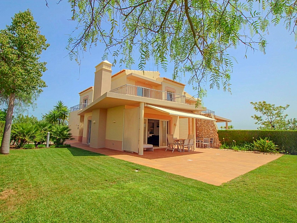 stunning linked villa