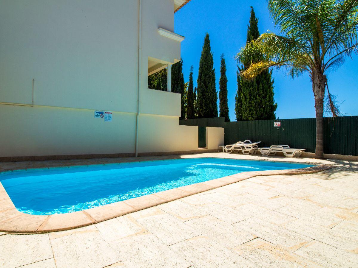 Pool - Bar - Entertain - Portugal - Algarve