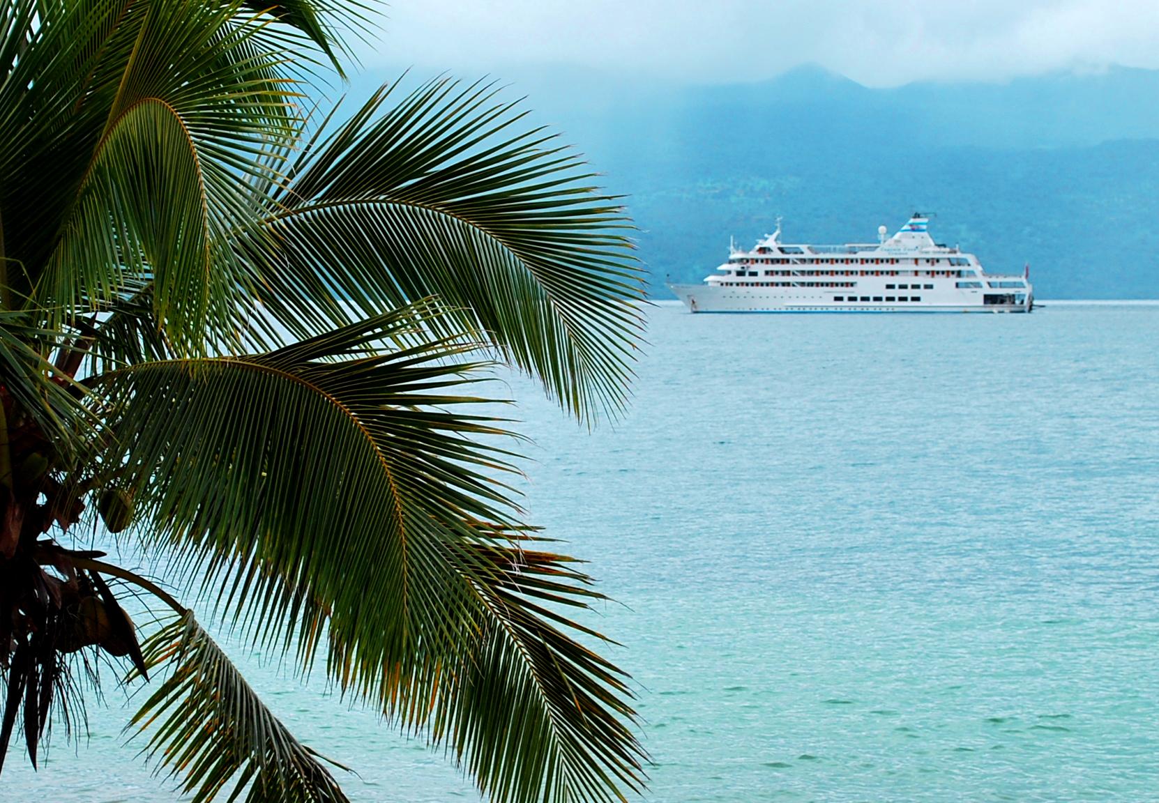 Reef Endeavor, Fiji