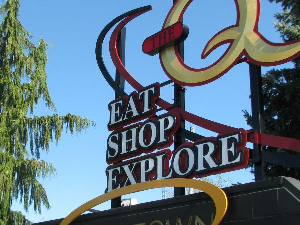 Queen Street - Eat, Shop, Explore