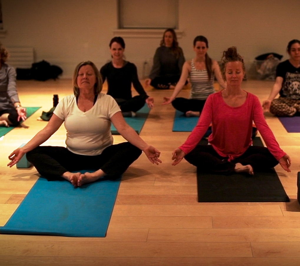Picture of a yoga class