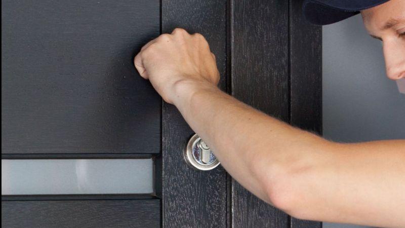 Man knocking on the door