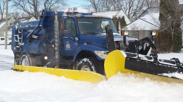 City of Niagara Falls snowplow in action