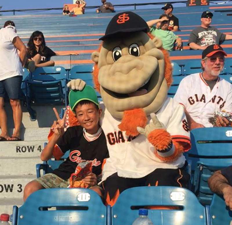 Haruki and Gigante, the mascot of the San Jose Giants