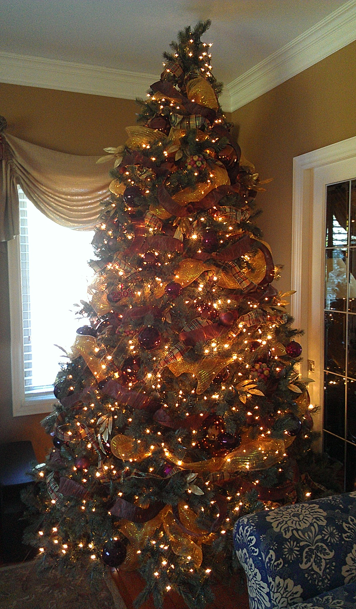 Lots of lights makes for a gorgeous tree!