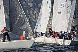 J/24s sailing Italy's lakes
