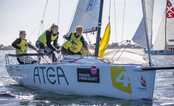 J/70 women's sailing team at WOW Regatta
