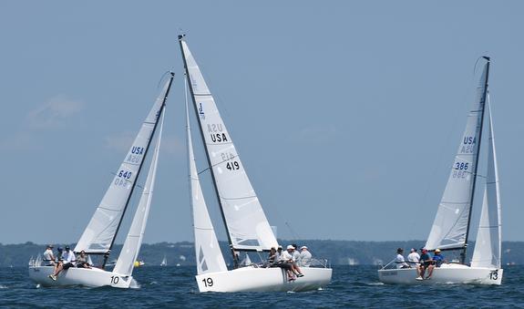 Jenn & Ray Wulff sail J/70 Joint Custody
