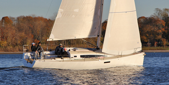 J/112E sailing upwind