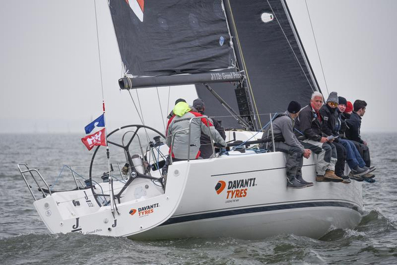 J/112E wins first race- Helly Hansen Warsash Spring series