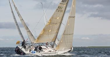J/105 sailing RORC race