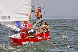 J/24 sailing Buzzards Bay regatta