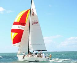 J/30 sailing Round Biscayne Island Race