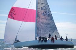 J/120 sailing Vineyard Race