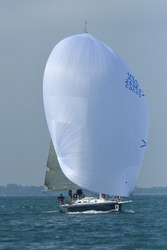 J/120 sailing Bayview Mackinac race