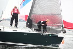 J/105 sailing