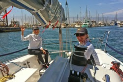 Doc and Julia sailing to start on J/88