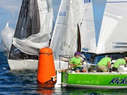 J/24s rounding mark in Australian Vic States regatta