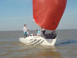 J/24 sailing Rio de La Plata off Buenos Aires