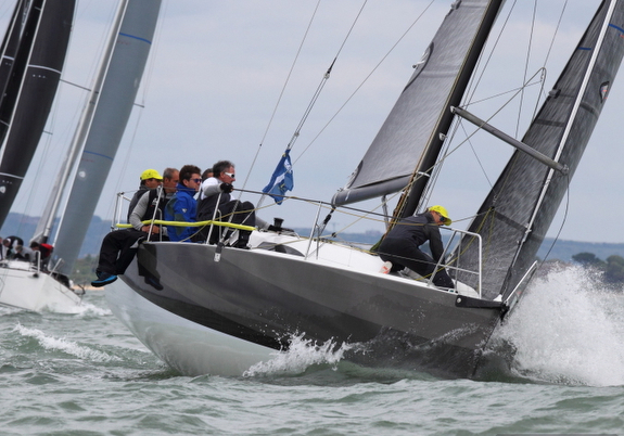 J/99 J-Lance 12 sailing J-Cup off Cowes and Solent