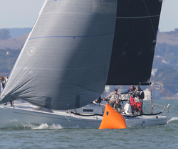 J/125 sailing Great Pumpkin Regatta