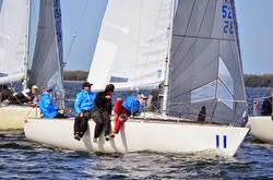 J/24 sailboat- sailing upwind