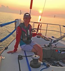 J/33 women's doublehanded team sailing Lake Ontario