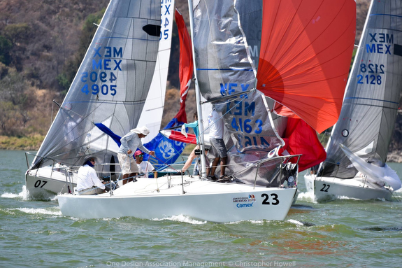 J/24s set spinnakers