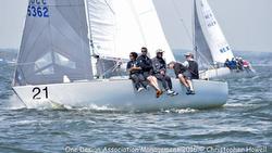 J/24 sailors