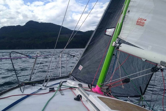 J/24 sailing in Johnstone Straits