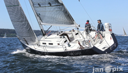 J/109 sailing Race to Straits regatta- Seattle/ Port Townsend
