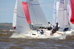 J/22s sailing fast at Midwinters 2015