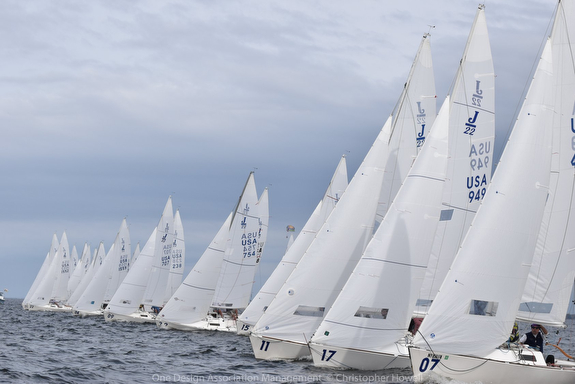 J/22 sailboats- starting line at Midwinters