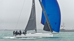 J/111 Jelvis winning Worlds off Cowes, UK
