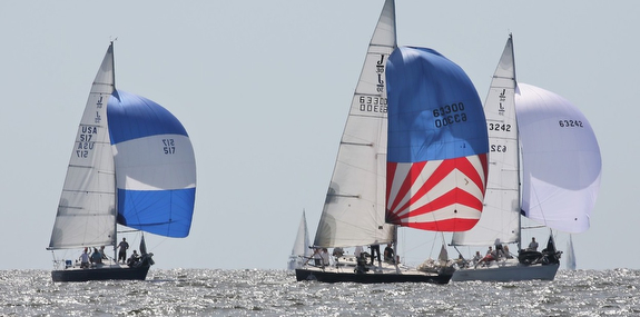 J/30s sailing on Chesapeake Bay