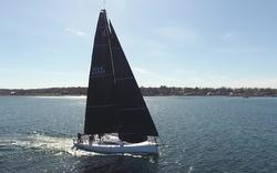 J/121 sailing to Bermuda