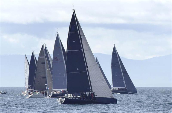 J/122E off Swiftsure Race starting line