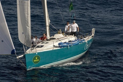 J/122 Otra Vez sailing Middle Sea Race
