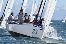 J/70 sailing around mark on Tampa Bay